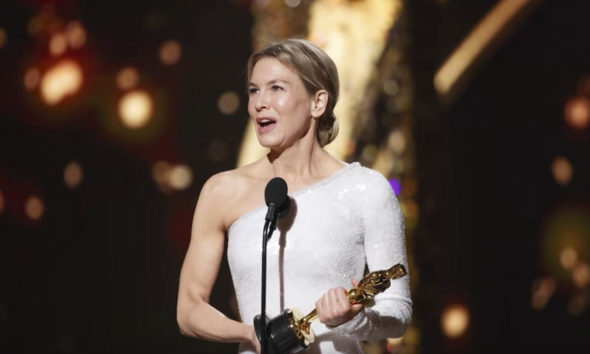 Renee Zellweger pays tribute to 'American Military' during Oscar speech