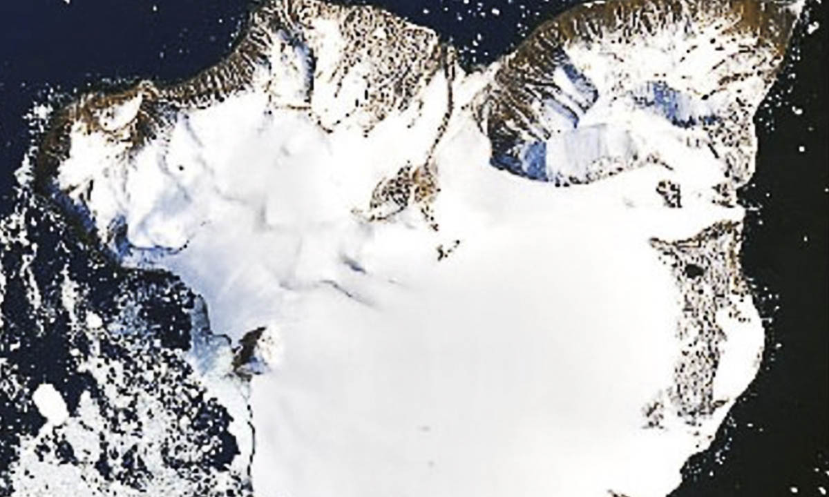 The new satellite photos released by NASA show how fast the Antarctic is melting.